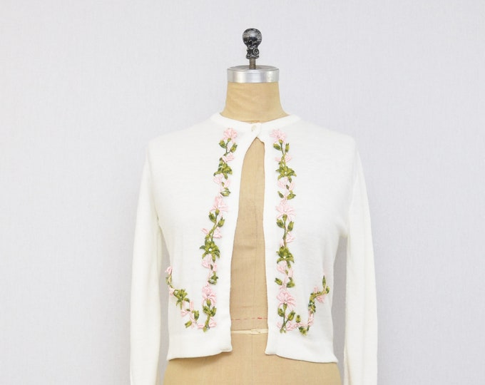 Vintage 1950s White Floral Knit Cardigan - Size Small