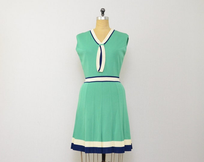 Vintage Mod Green Dress - 1960s - Size Small