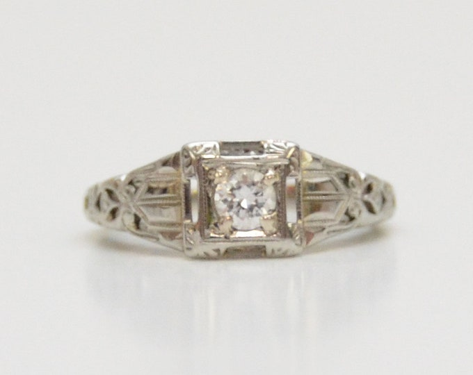 Antique Art Deco 18K White Gold Diamond Ring - Size 5
