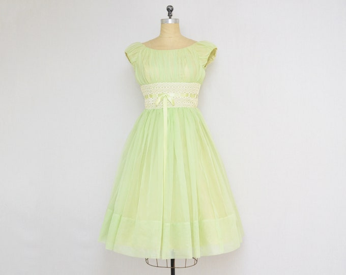 Vintage 1960s Pale Green Chiffon Cupcake Dress - Size Small