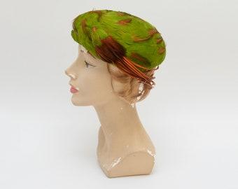61370ec57a4 60s Green Feather Hat - Vintage 1960s Women s Felt Brimless Hat