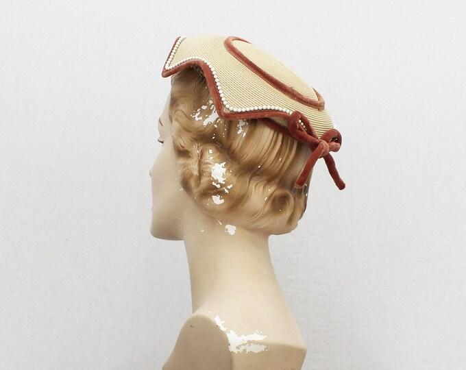 Vintage 1940s Tan Velvet Trim Hat