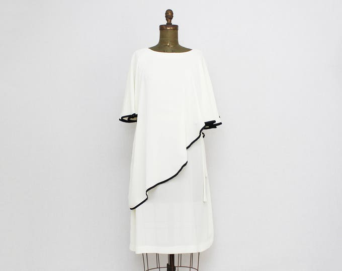 Vintage 1970s White Shift Dress - Size Medium