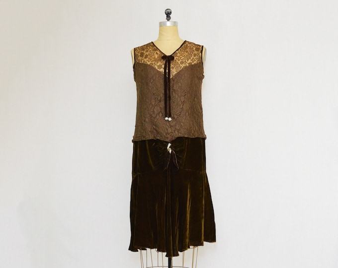 Vintage 1930s Chocolate Brown Velvet and Lace Dress - Size Medium