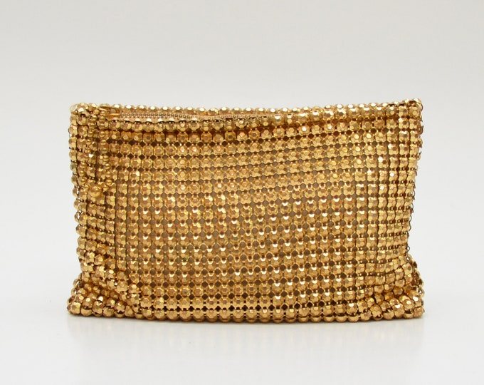 Vintage 1940s Whiting and Davis Gold Beadite Clutch