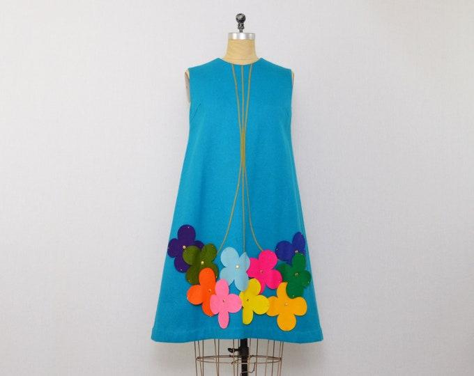 Vintage 1960s Mod Felt Flower Dress - Size Medium