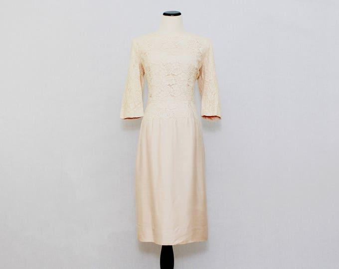 Vintage 1950s Blush Ecru Lace Courthouse Wedding Dress - Size Medium