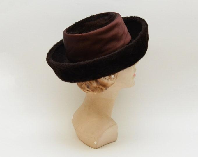 Vintage 1960s Fur Bumper Hat