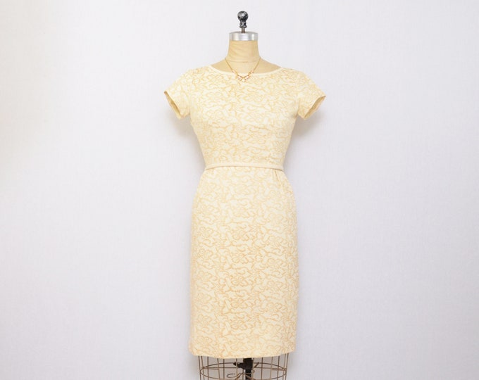 Vintage 1950s Cream Embroidered Wiggle Dress - Size Extra