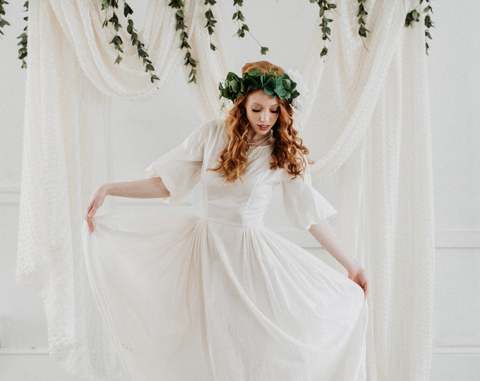 Vintage 1960s White Embroidered Pearl Boho Wedding Dress - Size Extra Small