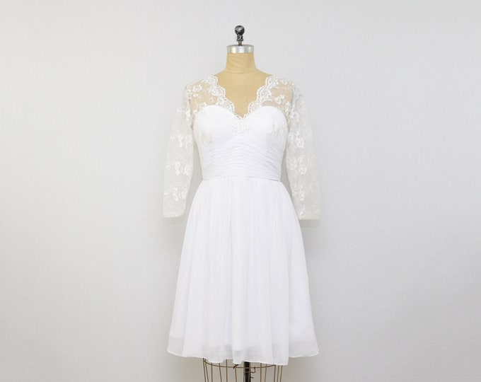 Vintage 1990s Short White Lace Wedding Dress - Size Small