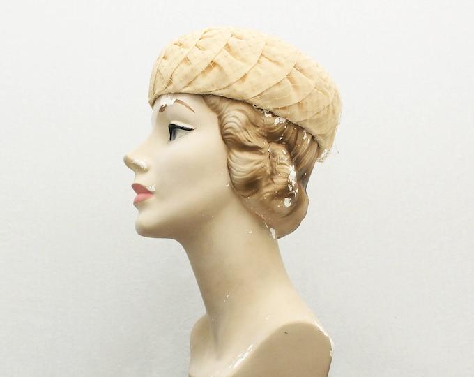 Vintage 1950s Ivory Pillbox Hat