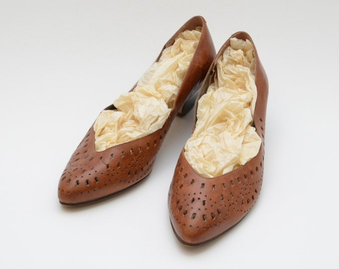 Vintage 1970s Caramel Leather Kitten Heels - Size 9B