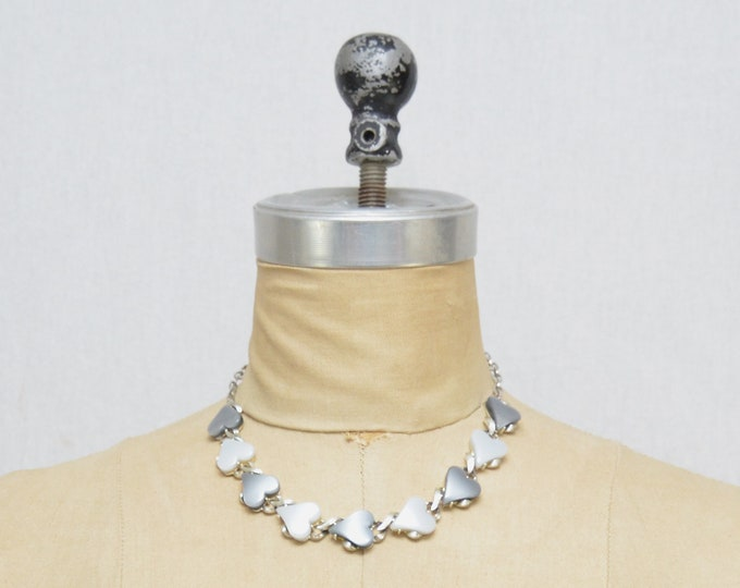 Vintage 1960s Grey Thermoset Heart Necklace - 17 Inches