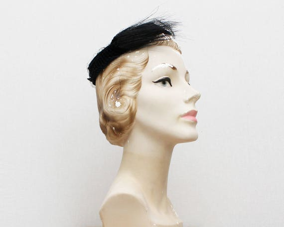 Black Velvet Ring Hat - Vintage 1940s Fascinator H