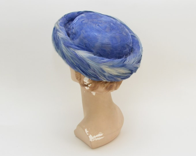 Vintage 1960s Blue Feather Bumper Hat