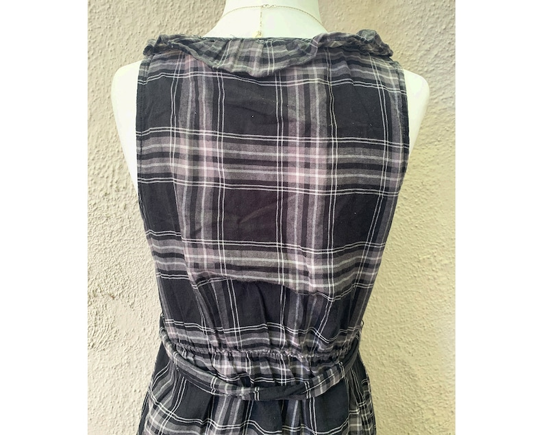 XS Vintage Inspired Black and Grey Sheer Sleeveless Dress with Belt