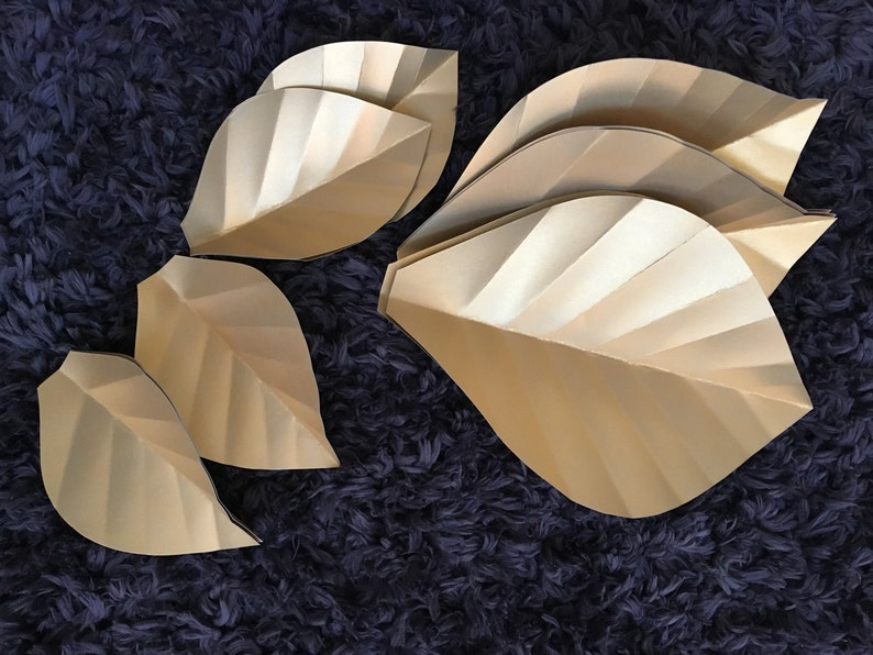 Set of 12. 11 /& 7 Gold Paper Leaves for your DIY paper flowers