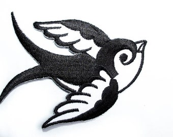 """Iron-on Patch - Old School Bird Tattoo - Two Tones - Embroidery - Appliqué - Size 3.5"""" x 2.35"""" (P009)"""