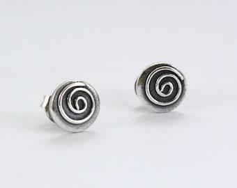 Sterling Silver spiral stud earrings - Small Earrings -Tiny dainty stud earrings - Circle - Minimalist earrings - Silver Oxidized- Meandros