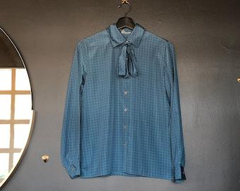 size 8 vintage /'60s sharp blue /& black blouse with green detailing