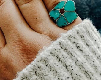 Adorable Vintage Navajo Turquoise Flower Ring