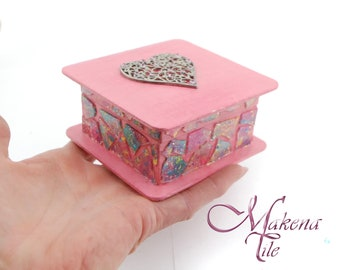 Romantic Pink Mosaic Glass box with a heart on it