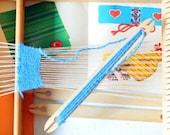 Vintage children's loom,1960s in amazing condition,made in Germany/ der handnebstuhl fur die schule