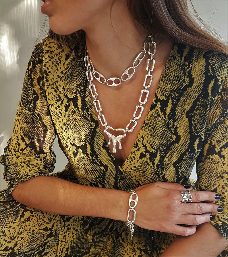 modern art chunky chain collar oval thick link chain choker Oversized link chain statement choker adjustable modernist chain necklace