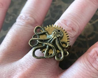Steampunk Octopus octopus ring.