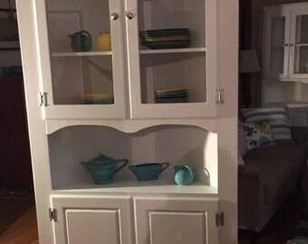 Cottage Corner Cabinet