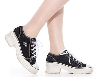 934cbb6d5c 90's Platform Skechers Canvas Sneakers Size 7