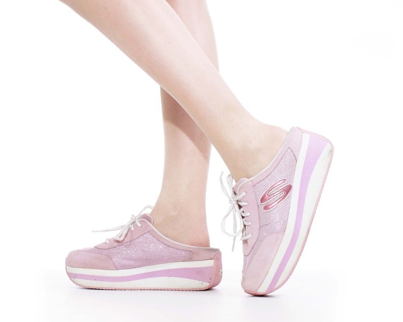 8019ede46e3 90's Platform Skechers Pink and White Sneakers Size 8.5