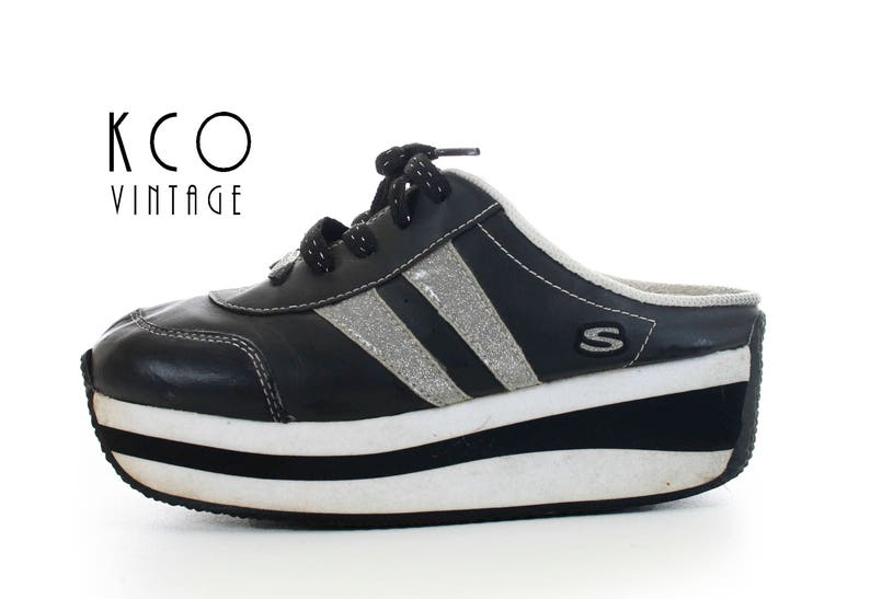 b58256cc30 90's Platform Skechers Sneakers Black and White Vintage | Etsy
