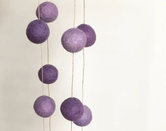Natural garland  many shades of purple - Dyed by hand - 6 feet
