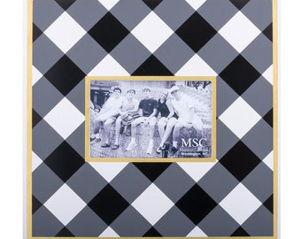 Monogrammed Buffalo Plaid Photo Frame Black and White Check Picture Frame Home Decor Wedding Frame New Home Gift
