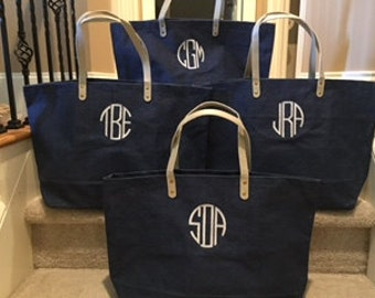 Monogrammed Jute Tote Bridesmaids Gifts Wedding Party Gift Navy Jute Burlap Tote Personalized Tote Bags