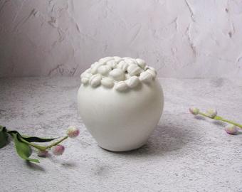 white bean lidded jar by Echo of Nature, Yumiko Goto