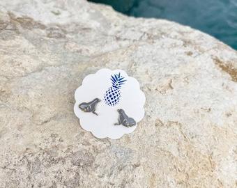 SEAL stud earrings lead and nickel free