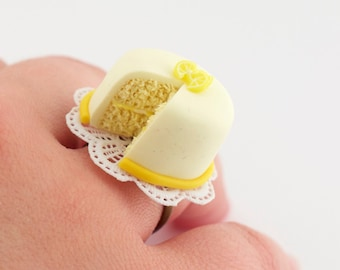 Food ring - cute ring - cake ring - foodie gift idea - sweet ring - lemon cake - lemon ring - adjustable ring - funny jewelry - vegan ring