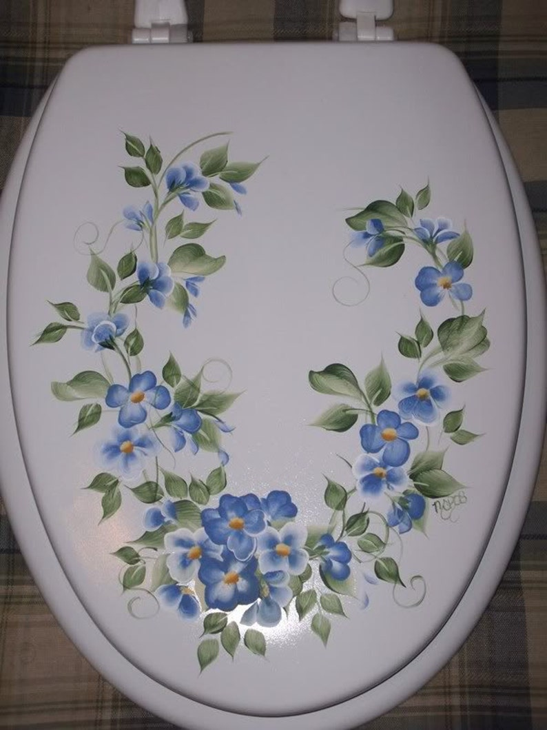 Peachy New Elongated Wood Toilet Seat Hand Painted Blue Violets Cottage Chic Floral Bathroom Decor Victorian French Country Powder Room Theyellowbook Wood Chair Design Ideas Theyellowbookinfo