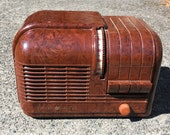 1939 General Electric H-520 Turbine Radio, Art Deco, Bakelite Case