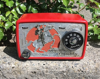 Red 1950s Hopalong Cassidy Arvin Radio 441T