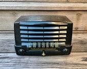 1947 Emerson quot Ebony quot Midget Radio, Mid Century Modern Model 547