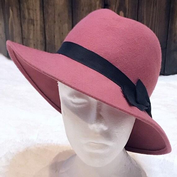 Vintage 1940's Pink Felt Wool Fedora With Black Bo