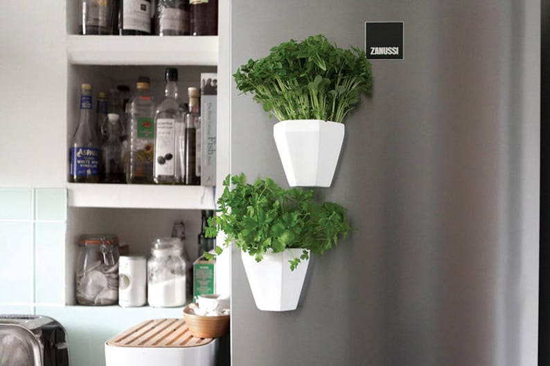 Ceramic Wall Planter with Magnetic grip image 0