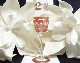 264a7267e9d 21st Champagne Toasting Glass