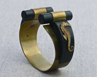 stunning French Art Deco bracelet, brass & bakelite cuff bracelet, seahorses, 1930's fashion accessory, made in France, Art Deco jewelry