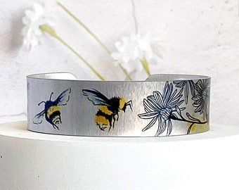 Bee cuff bracelet, personalised jewellery, metal bangle with bees, gifts for women. (533)