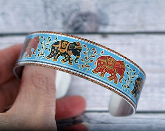 Elephant cuff bracelet, personalised metal bangle with elephants. Animal lover jewellery gifts for women. (548)